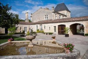Location gîte, chambres d'hotes Gîtes du Château de la Ligne dans le département Gironde 33