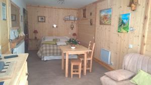 Chambre d'hotes La Mourerous - Accommodation - La Salle Les Alpes