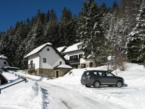 ROGLA NUNE - Hotel - Resnik