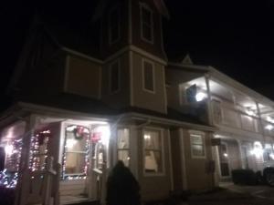Victorian Inn, Motels - Cleveland
