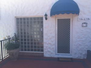 Villa Deville, Apartmanok  Dawesville - big - 17