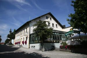 Hotel - Landgasthof Obermaier Zum Vilserwirt - Buch am Erlbach