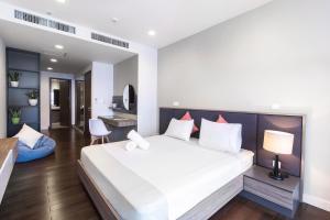 Christina's Hanoi - Lancaster City Living, Apartments  Hanoi - big - 80