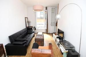 Charming apartment-Canal St Martin-Amazing prices!, Apartmanok  Párizs - big - 3