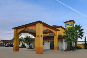 Scottish Inn and Suites Highway Six South