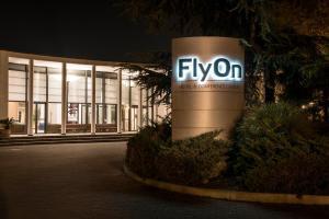 FlyOn Hotel & Conference Center, Hotels  Bologna - big - 1