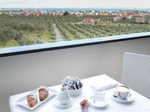 Mirabeau Park Hotel, Üdülőtelepek  Montepaone - big - 8