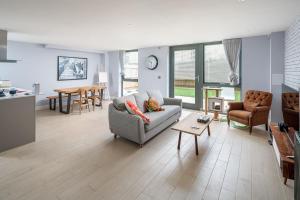 Stylish & modern 2 bed, 2 bath in Angel w/garden - Islington