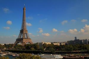 CMG Premium Tour Eiffel V
