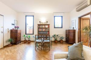 Due Torri - The Place Apartments - AbcAlberghi.com