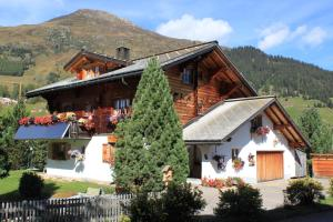 B&B Haus im Sand - Accommodation - Davos