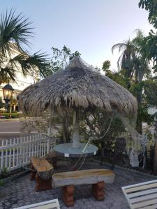Sands Point Motel, Motely  Clearwater Beach - big - 11