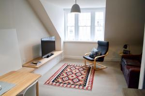 1 Bedroom Flat in Edinburgh's New Town Accommodates 4