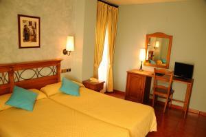 Hotel Arnal, Отели  Эскалона - big - 4