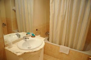 Hotel Arnal, Отели  Эскалона - big - 2