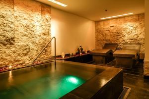 Buddha-Bar Hotel Budapest Klotild Palace (15 of 76)