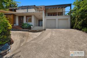 Mcauleys Beach House
