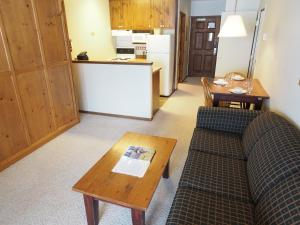 Apex Mountain Inn Suite 103-104 Condo - Osoyoos