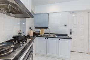 Henry's Apartment - South Maoming Road, Apartments  Shanghai - big - 17