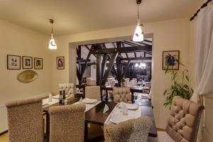Casa Din Bran - Inn Cuisine, Guest houses  Bran - big - 21