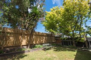Halswell Lodge - Accommodation - Wellington