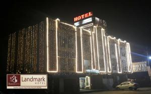 Auberges de jeunesse - Landmark Hotel