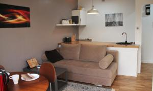 Brown Apartment by GdanskHomes