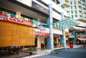 Luxury 4 Bedrooms Suite near Queensbay Mall by D Imperio Homestay, Appartamenti  Bayan Lepas - big - 9