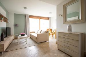 Apartamentos Villablino Arturo Soria, Апартаменты  Мадрид - big - 2
