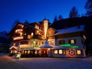 Hotel Lanterna Verde - Sexten / Sesto