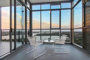 A Magnificent lofty 180º View of Sydney - Apartment