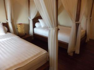 Amarapati Family 6 bed room villa with pool