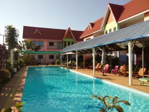Peace Pool Resort - Khun Han