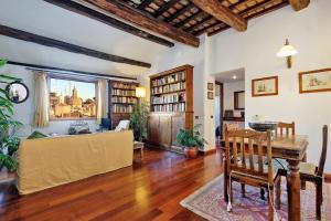 Piazza Mattei Terrace Apartment   Romeloft - abcRoma.com