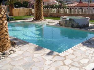 La tua casa vicino alla spiaggia con piscina - AbcAlberghi.com
