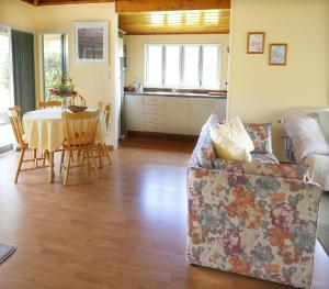 Kowhai Close Accommodation, Guest houses  Oneroa - big - 37