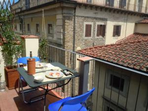 Apartment in centre of Florence, balcony and terra - AbcAlberghi.com
