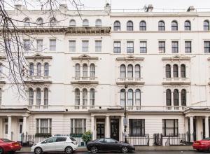 Kensington Gardens Hotel - London