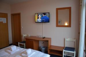 Hotel Imperium, Szállodák  Alsómarác - big - 5