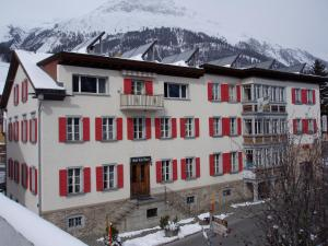 Hotel Trais Fluors - Accommodation - Celerina