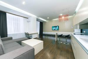 VIP apartment on Kreschatik. with terrace - Kyjev