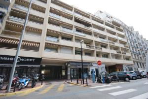 Two bedroom apartment near the Martinez Hotel, Apartmány  Cannes - big - 20