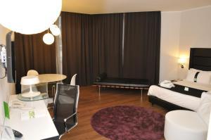 Holiday Inn Genoa City, Szállodák  Genova - big - 74