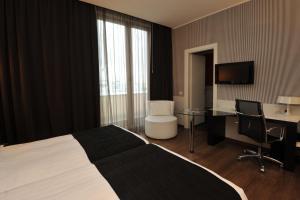 Holiday Inn Genoa City, Szállodák  Genova - big - 51