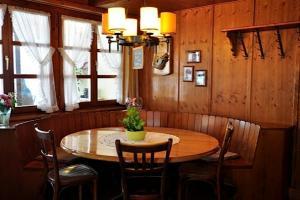 Gasthaus Skiklub - Accommodation - Andermatt