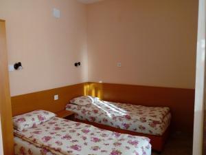 Hotel Toni, Отели  Bukovlŭk - big - 51