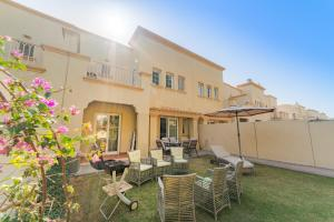 Four Bedroom Villa for 12 pax - The Springs - Dubai