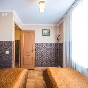 Guest House U Sten Optinoi - Suvorov