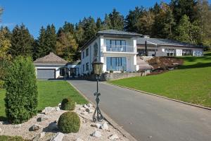 View & Garden Villa Schauenstein - Hotel