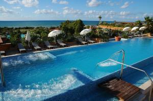 Acacia Resort Parco Dei Leoni, Rezorty  Campofelice di Roccella - big - 53